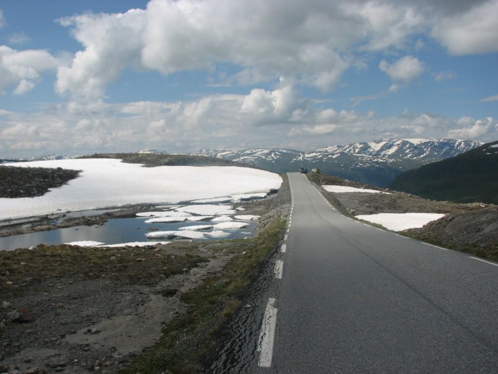 Fv243 from Aurlandvegen to Laerdalsoyri